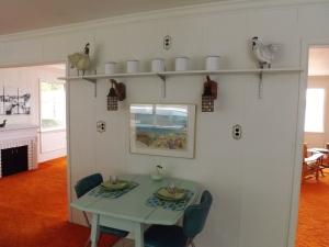 Kitchen wall B